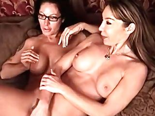 Two Older Buxom Lezzy Amateurs Playing Together