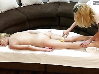 Blonde Stunner Jennifer Anixton Has Her Virign Twat Massaged