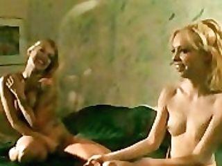 Hot Ash-blonde G/g Honeys Having Some Toes