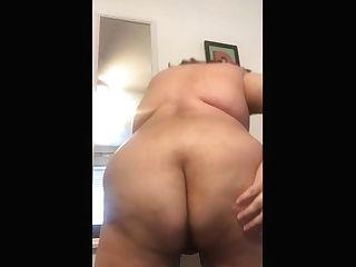 Lesbo Masturbating With Fucktoys