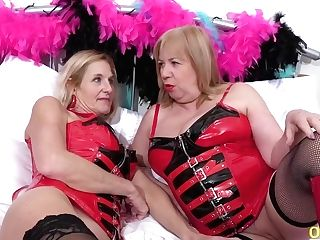 Two Matures Lezzies And Spandex Fuck-fest Fucktoys