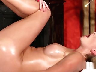 Rounded Big Tits Blonde Get Cunt Rubdown