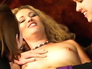 Horny Lezzies Have Xxx Threesome Fuck In Couch
